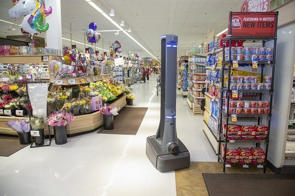 Marty the Robot Rolls out AI in the Supermarket 2