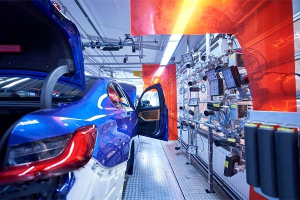 BMW Boosting AI While Factory Lines are Paused from Pandemic 1