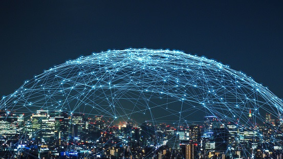 Convergence of AI, 5G and Augmented Reality PosesNew Security Risks